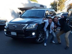 大阪府にお住まいのO社長様に 新車 2013y レクサス LX570 をご納車させて頂きました。