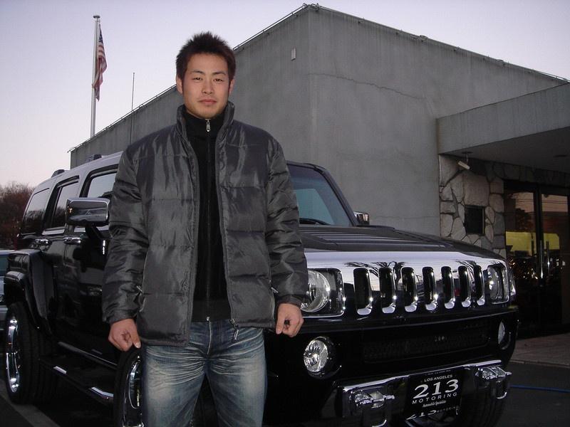読売ジャイアンツ・亀井義行選手にハマー H3フルカスタムをご納車させて頂きました。