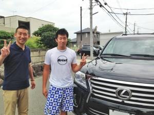 和歌山県の競輪選手、稲毛健太選手に 新車 USレクサス LX570 をご納車させて頂きました。