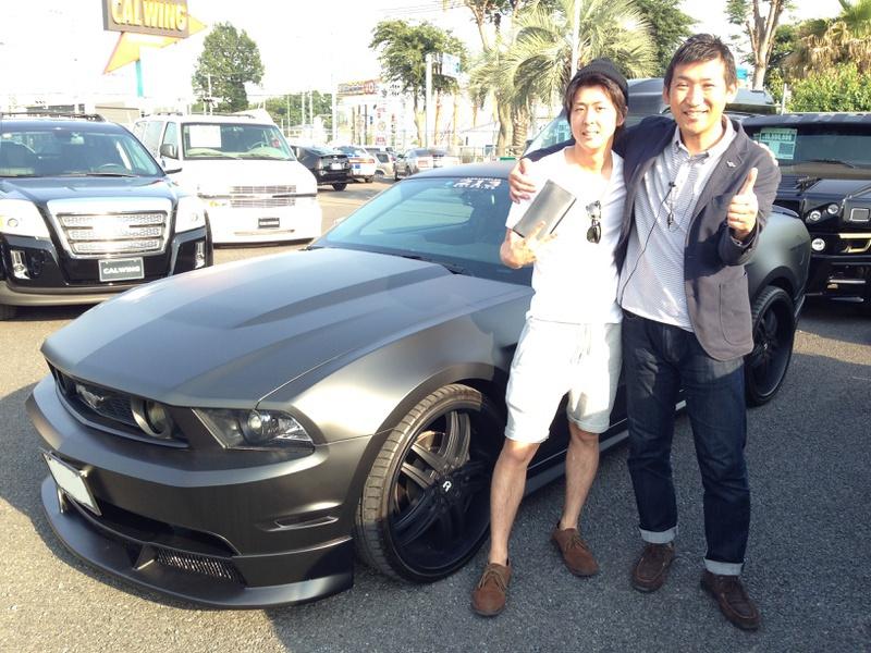 地元所沢のプロスポーツトレーナー 神谷卓宏様に フォード マスタング GTプレミアム マットブラックフルラッピングをご納車させていただきました。