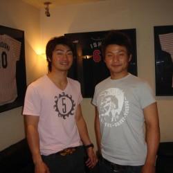 東京ヤクルトスワローズ青木選手と武内選手が来店されました。