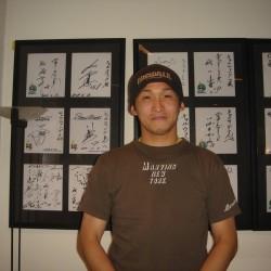 北海道日本ハムファイターズ中村投手が来店されました。