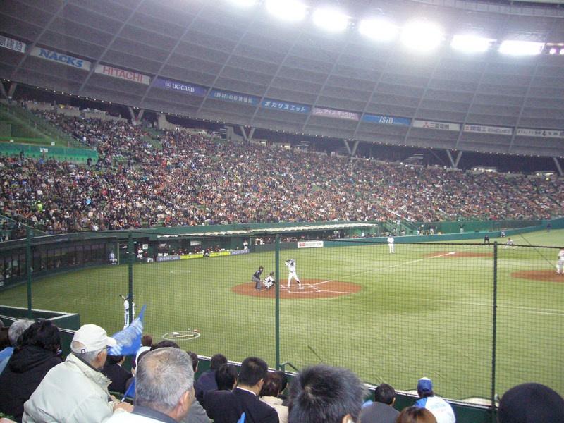 プロ野球日本シリーズ第4戦 埼玉西武ライオンズ 石井一久投手よりご招待いただきました。