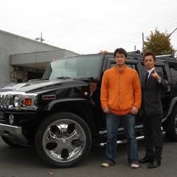 埼玉西武ライオンズ 野田浩輔選手が愛車のハマーH2に乗ってご来店してくださいました。