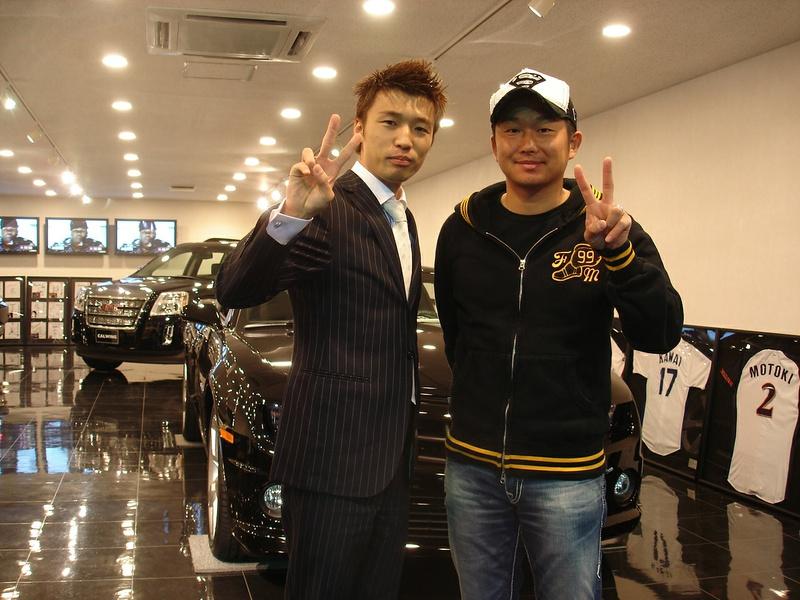 東京ヤクルトスワローズ #19 石川雅規投手に 新車 メルセデスベンツ GL550 ART MAMMUT Version をご納車させていただきました。