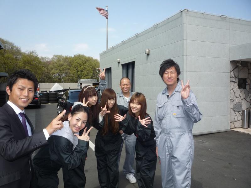 お笑い芸人クールポコと銀河っ娘クラブがお送りするTV番組、「先駆け情報新聞社」の収録がキャルウイングで行なわれました。