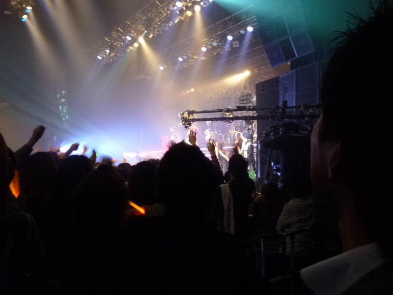 """歌手のBENIさんの初のワンマンライブツアー""""Lovebox Live Tour 2010""""FINAL公演にご招待頂きました。"""