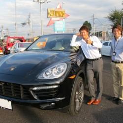 競輪S級の柴田 竜史選手に 新車 ポルシェ カイエンターボ をご納車させて頂きました。