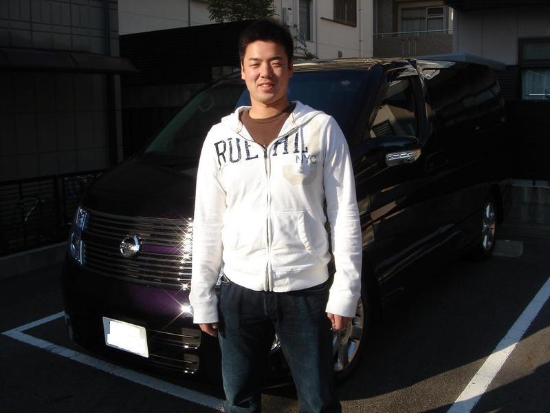東北楽天ゴールデンイーグルス 石川賢投手に新車エルグランド・ブラックレザーエディションをご納車させていただきました。