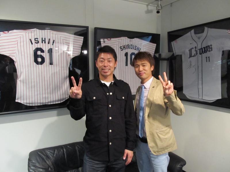 東京ヤクルトスワローズ #7  田中 浩康選手に新車 ポルシェ カイエンS ハイブリットをご納車させて頂きました。