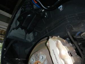エンジンチェックランプが点灯したとの事でご入庫頂いた車両です。 コンピューター診断とメカニックの経験により、チャコールキャニスターと PCVバルブより、燃料蒸発ガスの僅かな漏れがある事が分かりました。 弊社パーツセンター […]