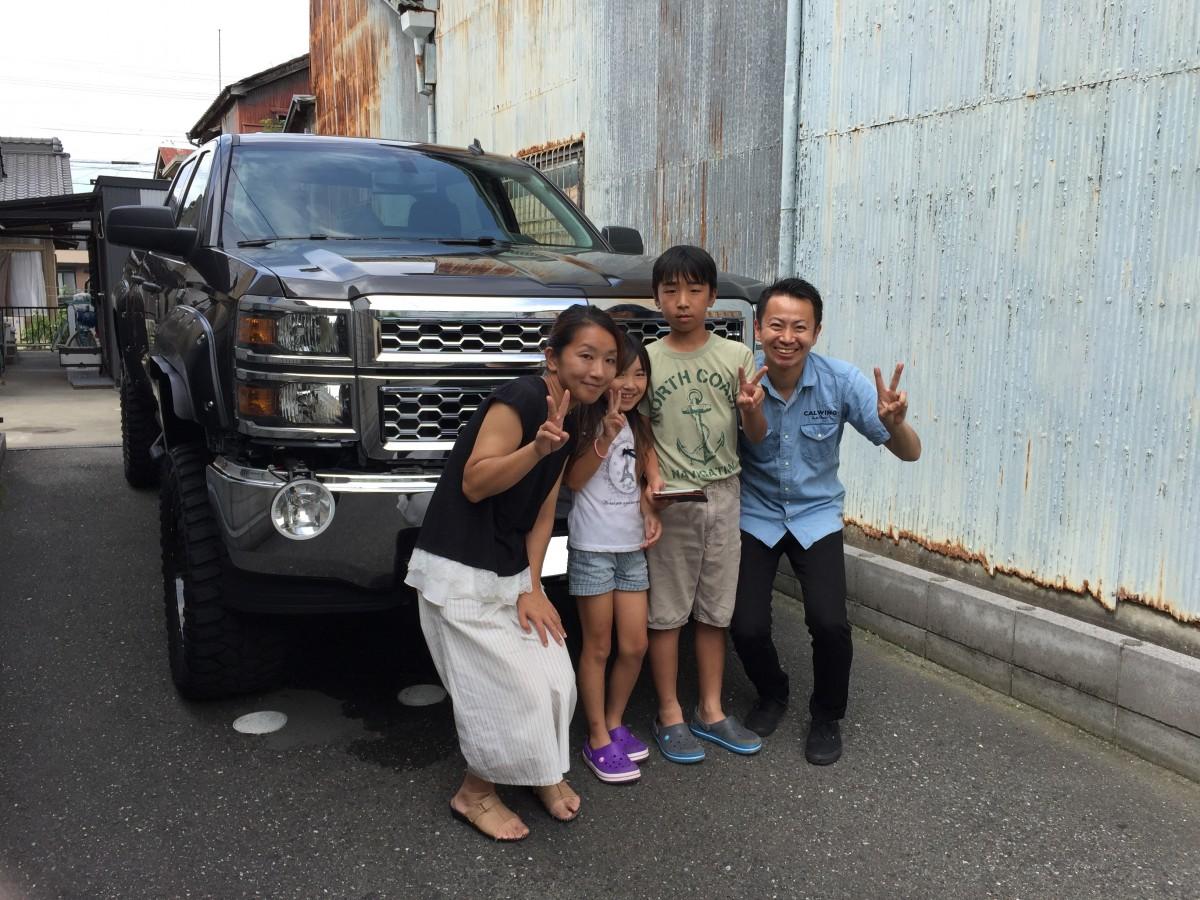 愛知県のS社長様にシボレー シルバラードをご納車させていただきました。
