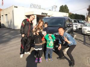 東京都のM様に USトヨタ シエナSE をご納車させていただきました。