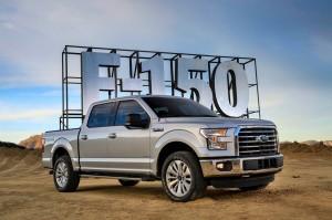 新車カタログに 2017年 フォードF150 XLT LARIAT を追加致しました。