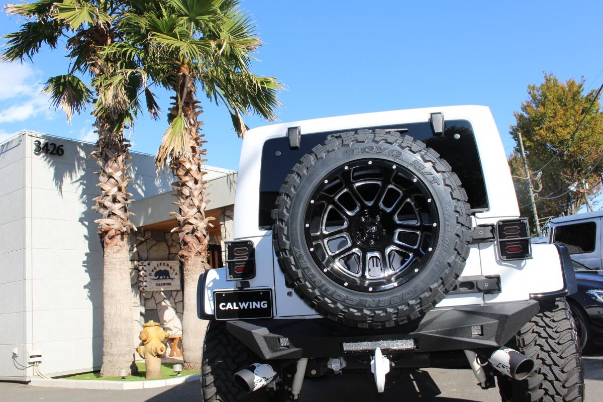 LA BAD Wrangler に背面タイヤを追加で取り付けいたしました! 背面タイヤを取り付けすることで迫力がでましたね! もちろん背面レスの場合でも、車体とのバランスに合わせて様々なタイプのゲートカバーの中からお好き […]