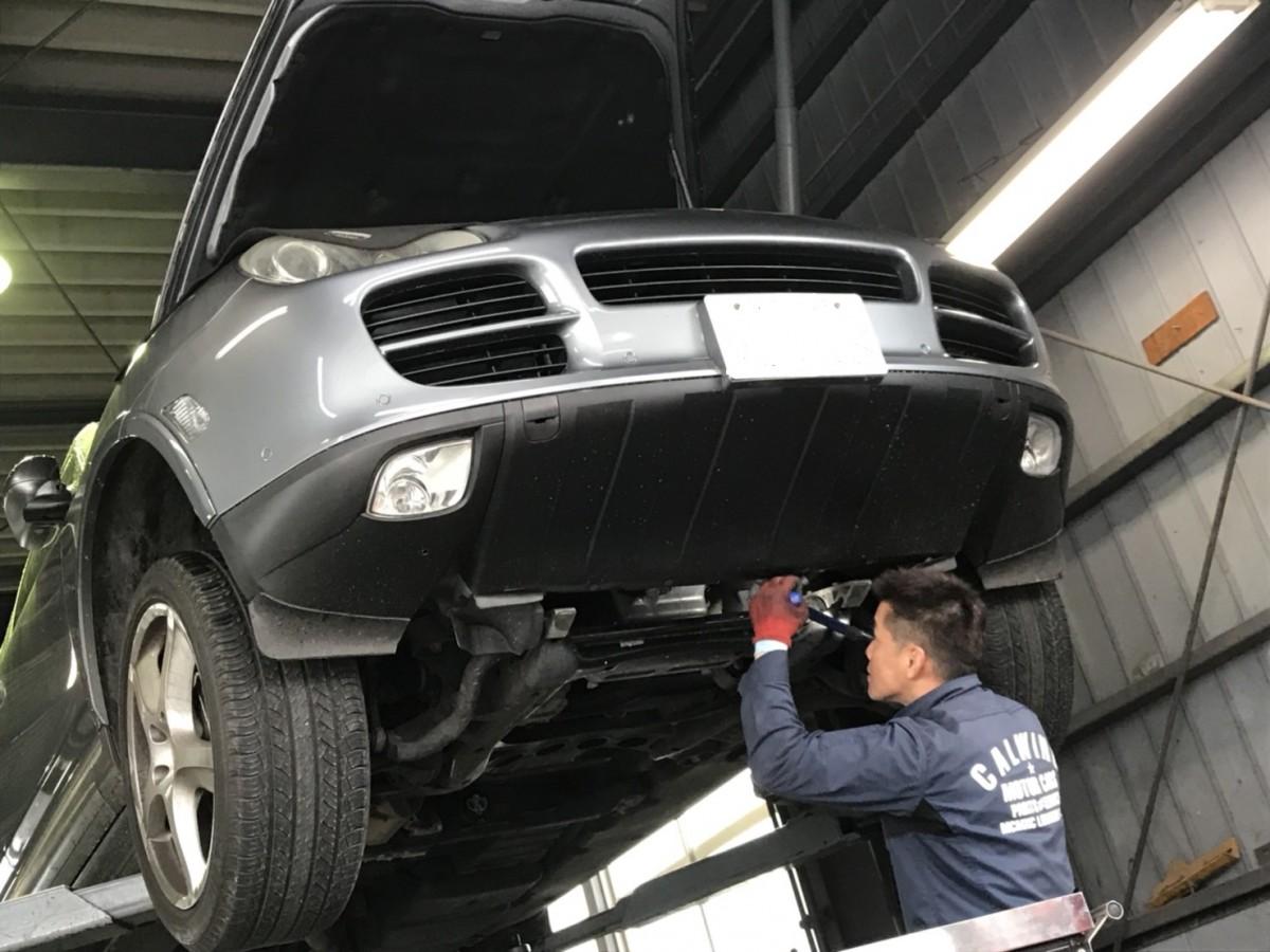 こんにちは、サービス課メカニックの吉田です。今回は、この1週間で珍しく多種多様な作業を行いましたので紹介します。まずは、デュランゴからです。エンジンの警告灯が点灯する症状でエンジンの油圧系統のセンサーが不調で […]
