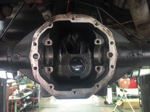 2008年 キャデラック エスカレード リアデフベアリング 足回り異音 点検 修理 交換