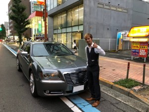香川県のO様にクライスラー300Cをご納車させて頂きました!