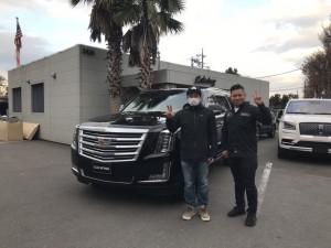 東京都のW社長様にキャデラック  エスカレード  プラチナムをご納車させて頂きました。