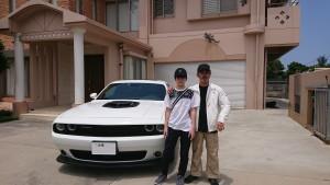 沖縄県のO社様に新車 ダッジ チャレンジャー スキャットパック シェイカーをご納車させていただきました。