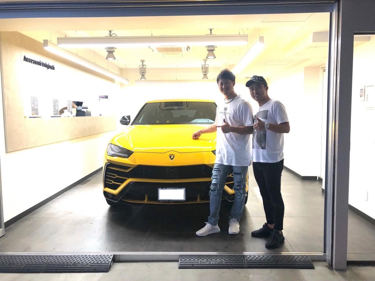 2台目のご購入ありがとうございます! 北海道日本ハムファイターズ 西川遥輝選手に新車ランボルギーニ ウルスをご納車させて頂きました!