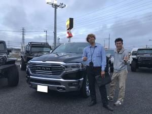 群馬県のS社長様に新車 ダッジ ラム ララミー ロングホーンをご納車させて頂きました。