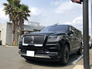 埼玉県のH様に新車 リンカーン ナビゲーター ブラックレーベルをご納車させていただきました。