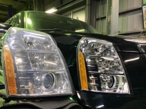 エスカレード ヘッドライト 交換 整備
