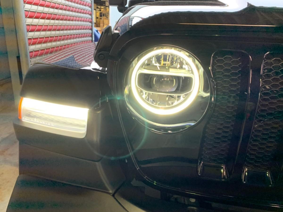 JL ラングラー ジープ ヘッドライト 交換 カスタム