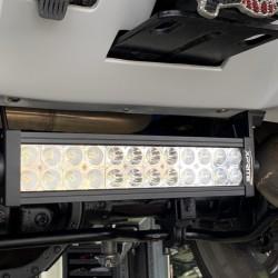 ハマー H2 車検 整備 バックランプ交換 LEDライトバー