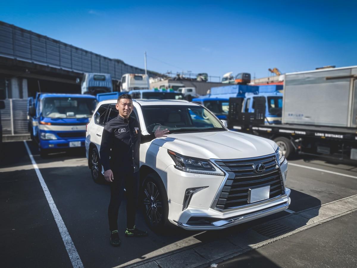 静岡県のT様にレクサス LX570をご納車させていただきました!