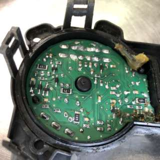 ハマーH2故障修理 - ワイパーモジュール交換