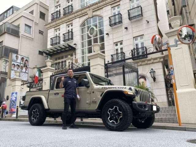 東京都のA院長様にジープ グラディエーター ルビコンをご納車させて頂きました!
