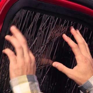 トレンドのキャンプにもお勧め!冬は車内を保温するスグレモノ。テックシェード!