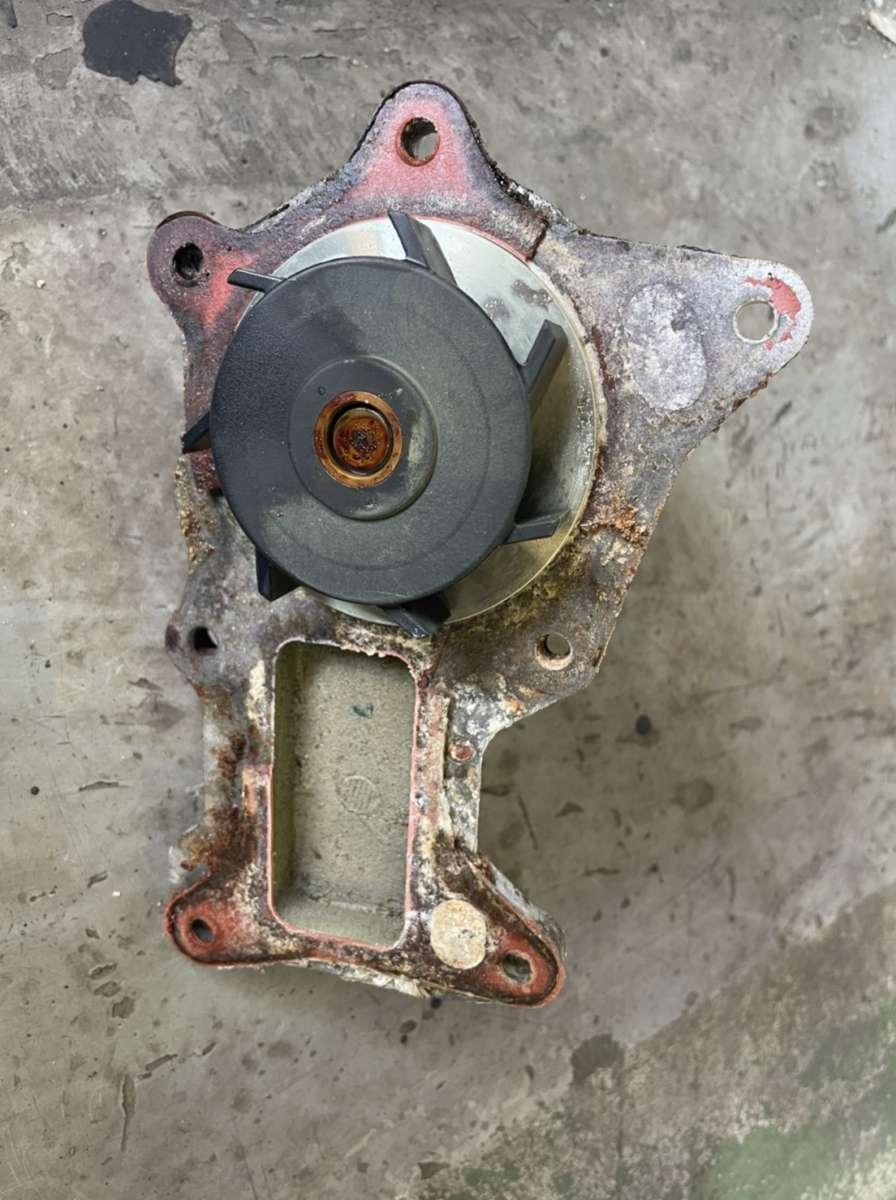ジープ JKラングラー 冷却水漏れ 修理!