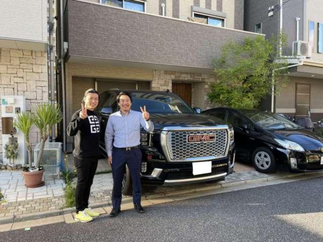 大阪府のA社長様に新車 GMC ユーコン デナリをご納車させて頂きました。